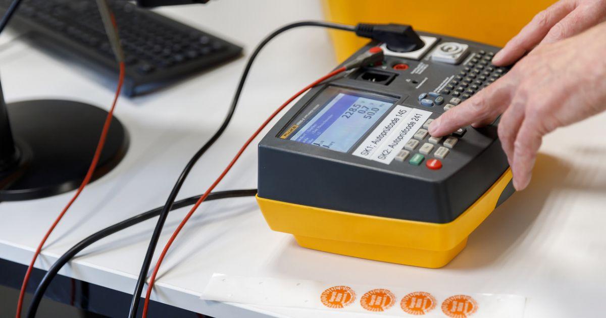 Elektroprüfung nach DGUV V3  • Technikwerker